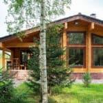 Почему стоит строить дом из клееного бруса?