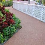 Красивое и недорогое покрытие резиновое садовое.