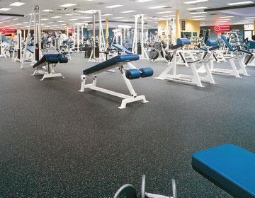 Надежное спортивное покрытие для тренажерных залов.