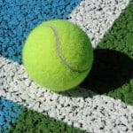 Спортивное полиуретановое покрытие из резиновой крошки.