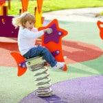 Покрытие для детских площадок крошка.