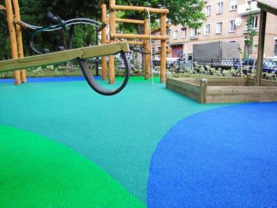 Резиновая крошка для детских площадок.