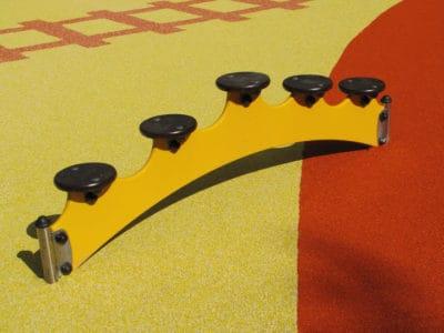 Мягкая и безопасная спортивная площадка в детском саду.
