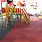 Строительство детских площадок с резиновым покрытием.