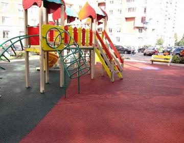 Строительство детских площадок.
