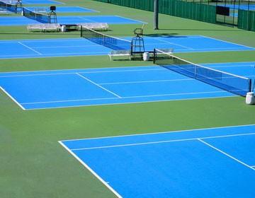 Безопасность спортивных площадок с резиновым полом.