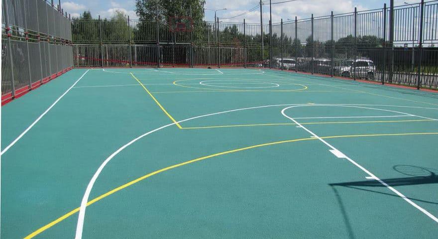 Покрытие для баскетбольной площадки на улице.