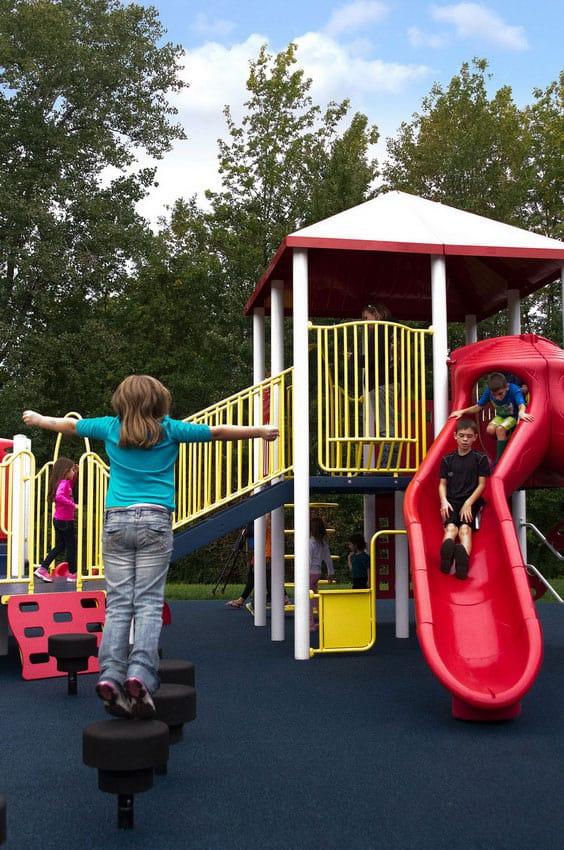 Бесшовное резиновое покрытие для детских площадок.