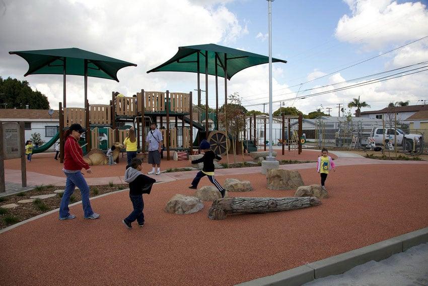 Комплектующие для детских спортивных площадок