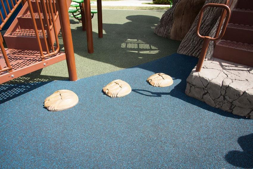 Купить уличное покрытие для детской площадки.