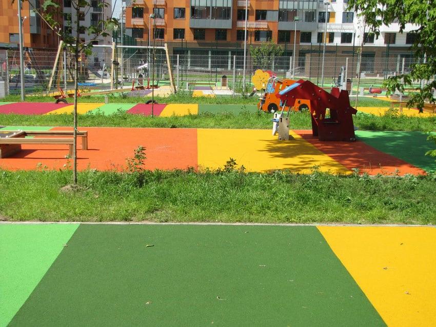 Цена на травмобезопасное покрытие для детских площадок.