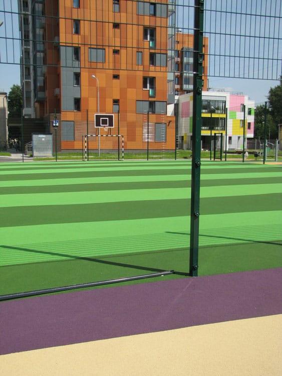 Покрытие для спортивных площадок на улице.