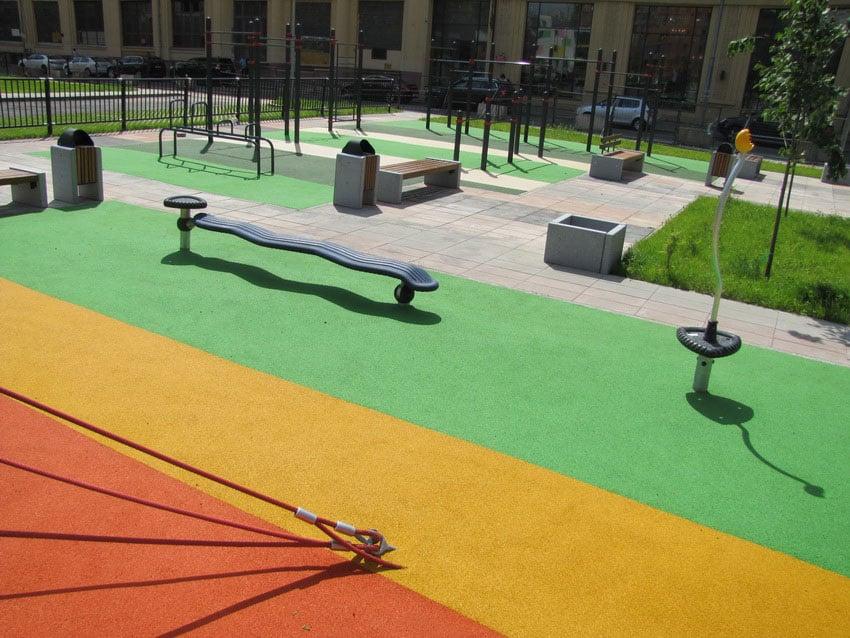 Тротуарное покрытие из резиновой крошки.