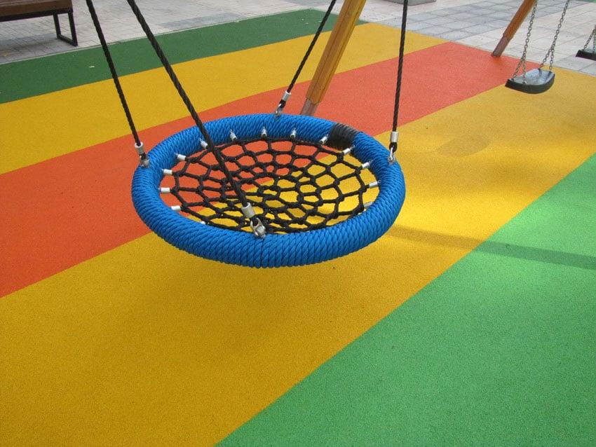 Цена на уличное покрытие для детской площадки.