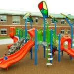 Резиновый пол для детской площадки.