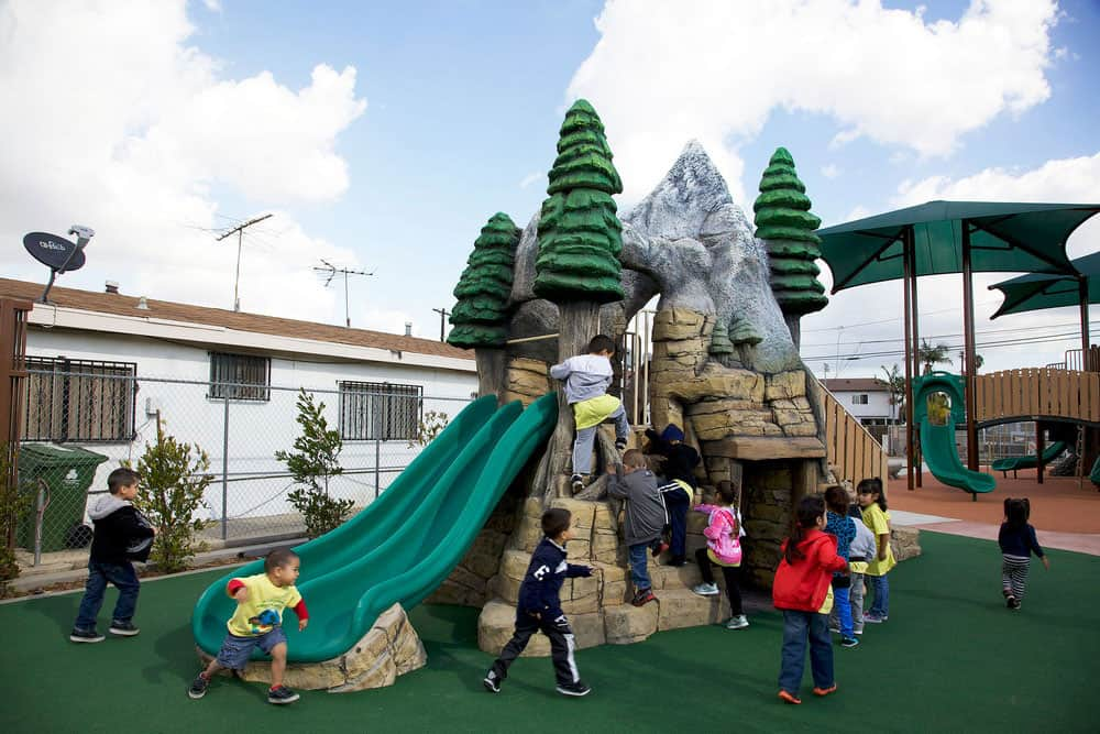 Цена на покрытие детской площадки из резиновой крошки.