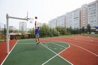 Резиновое покрытие для спортивных площадок купить.
