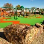 Резиновая детская площадка.