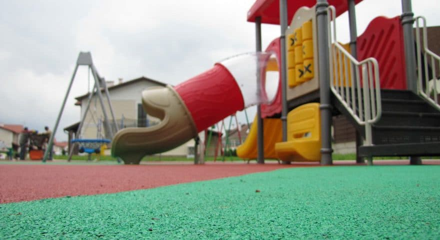 Покрытия детских игровых площадок.