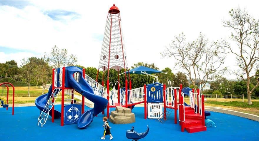 Покрытие детской площадки из резиновой крошки цена.