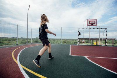 Покрытие уличной баскетбольной площадки.