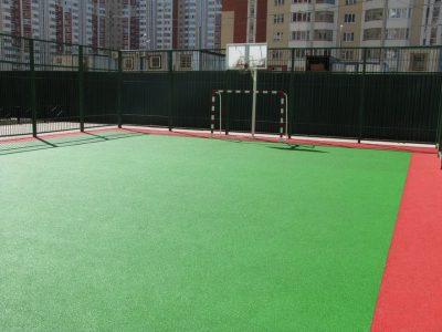 Резиновое покрытие для баскетбольной площадки.