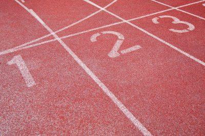 Резиновое покрытие для спортивных площадок цена.