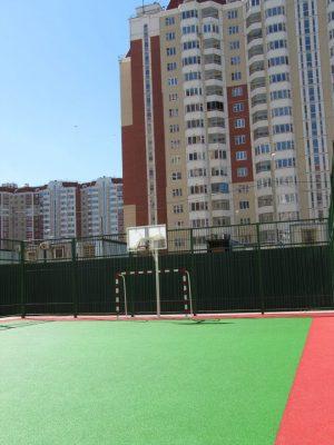 Покрытие футбольной площадки.