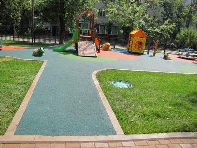 Покрытие для детских площадок купить в Москве.