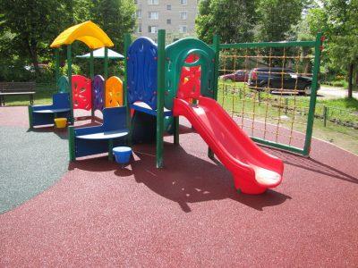 Напольное покрытие для детской площадки.