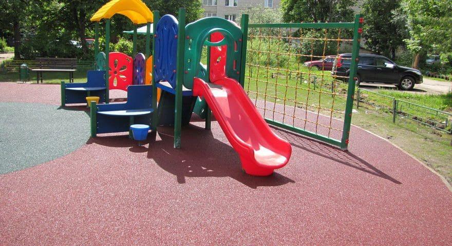Покрытие на площадку детского сада.