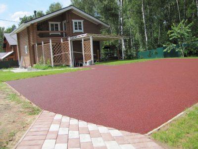 Резиновое покрытие для площадок на даче.