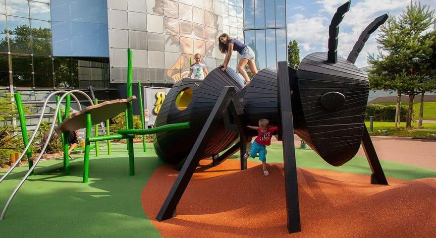 Недорогое покрытие для детских площадок.