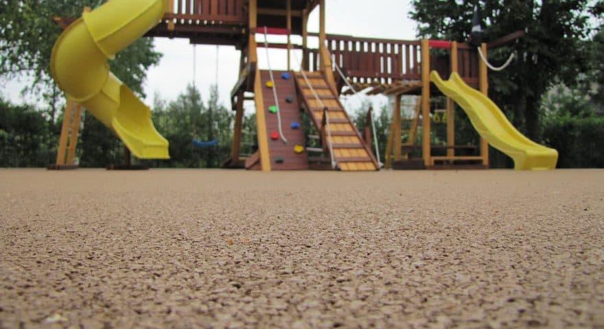 Производство покрытия для детских площадок.