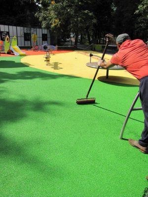 Где купить покрытие для детских площадок.