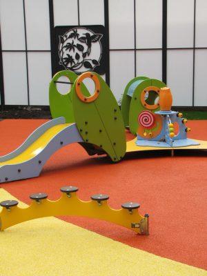 Бесшовное резиновое покрытие для детских площадок цена.
