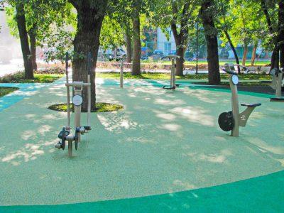 Стоимость резинового покрытия для спортивных площадок.