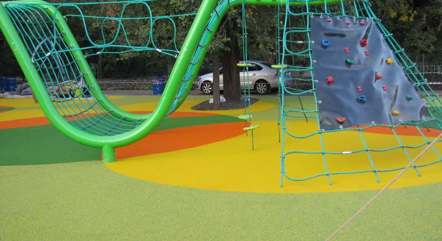 Покрытие детских площадок цена.
