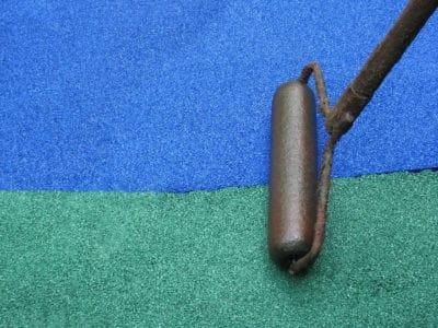 Укладка резиновой крошки.