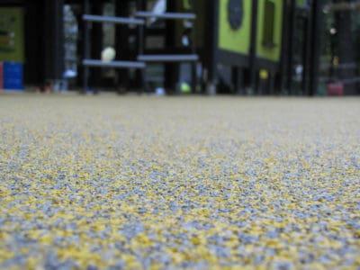 Резиновое покрытие для улицы.