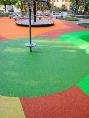 Обустройство безопасной и красивой детской площадки.