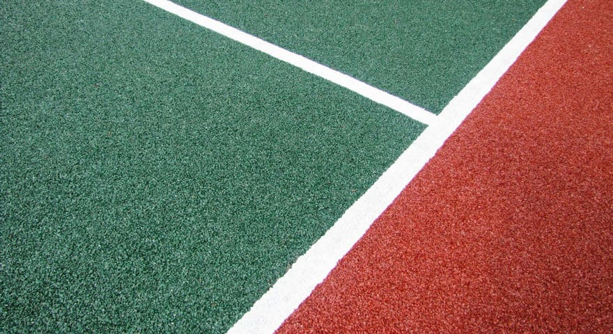 Устройство покрытий спортивных площадок.
