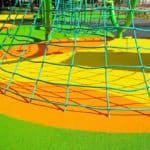Безопасное покрытие для детских площадок.