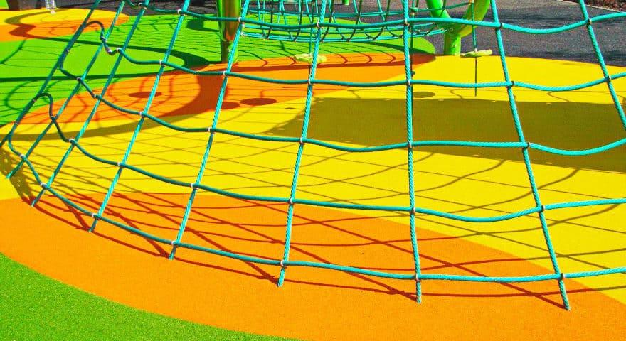 Детские площадки из резиновой крошки цена.