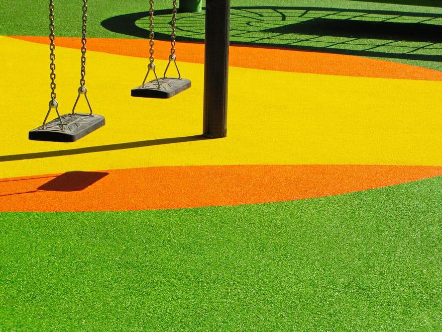Укладка покрытий для детских площадок.