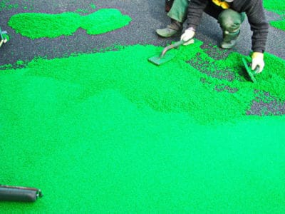 Основные этапы монтажа покрытий детских площадок.