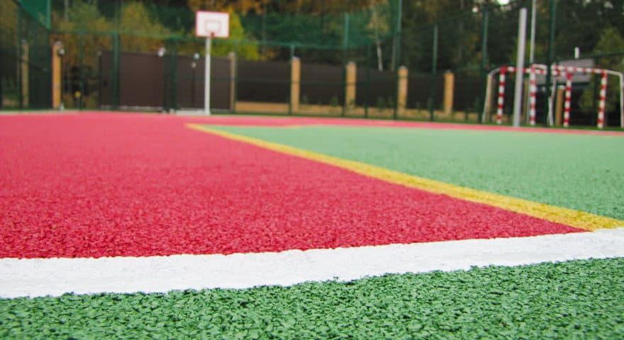 Резиновое покрытие детских и спортивных площадок.