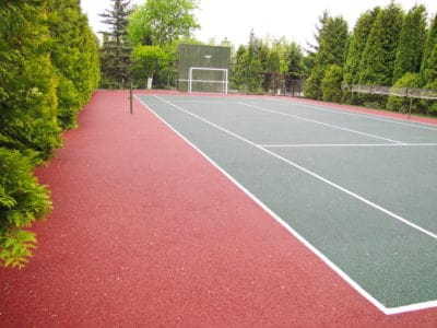Резиновые покрытия на детских и спортивных площадках в эксплуатации.