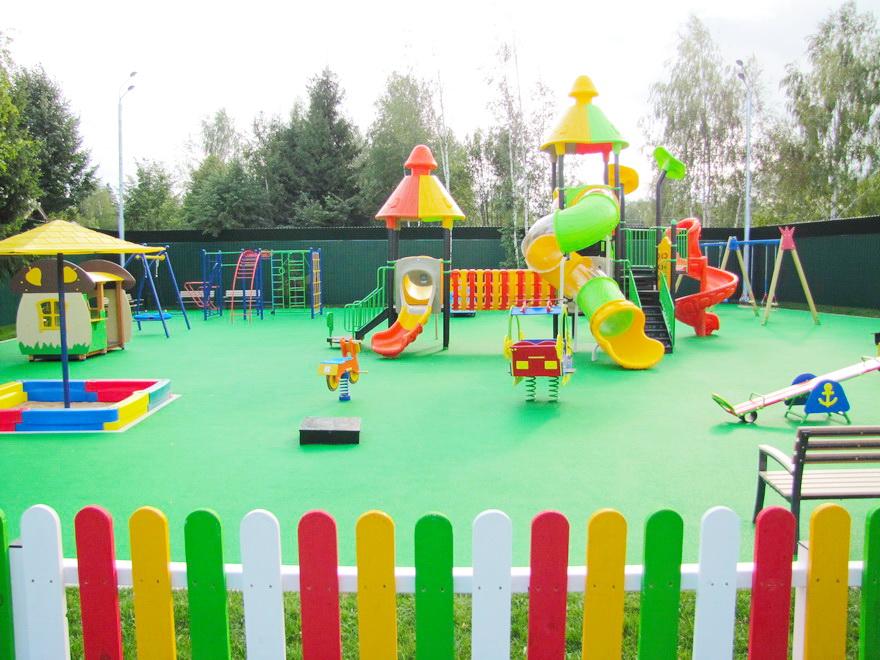 Резиновые плиты для детских площадок.