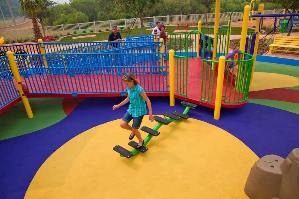Наливное покрытие для детских площадок.